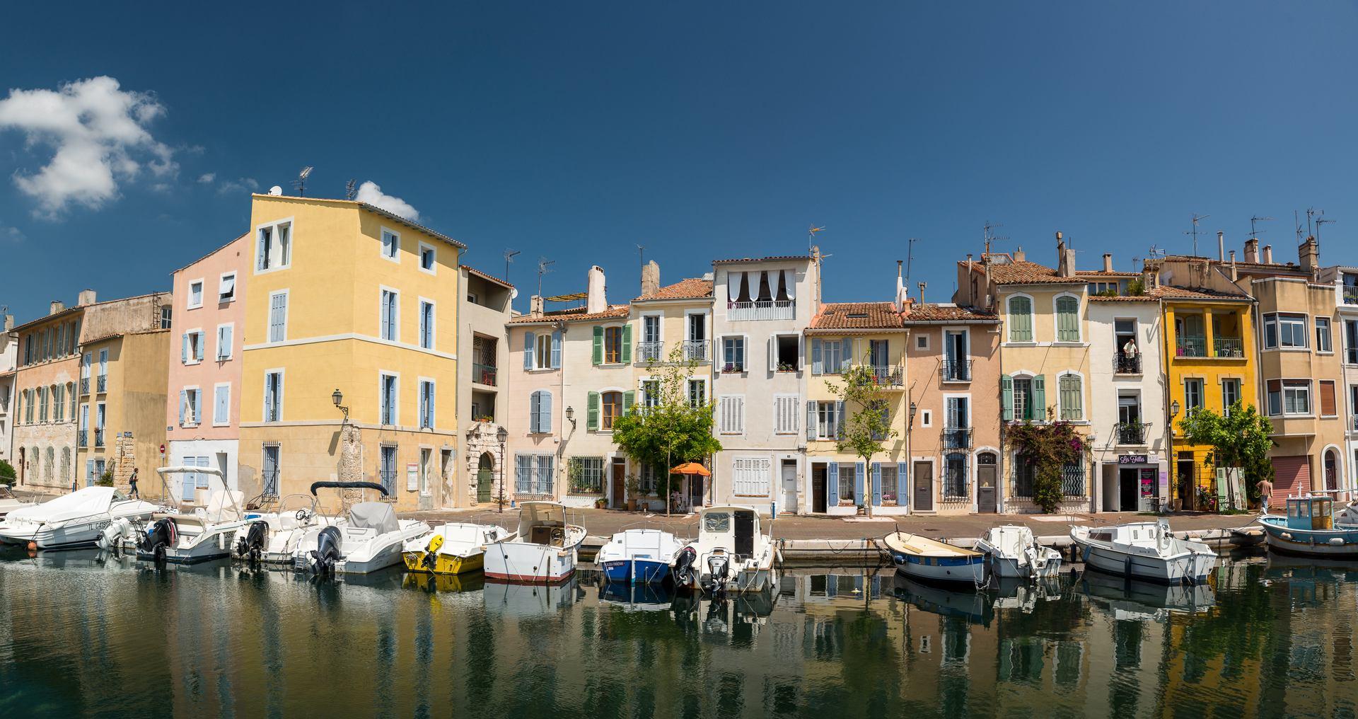 stories/2019-11-05-amazing-provence/martigues