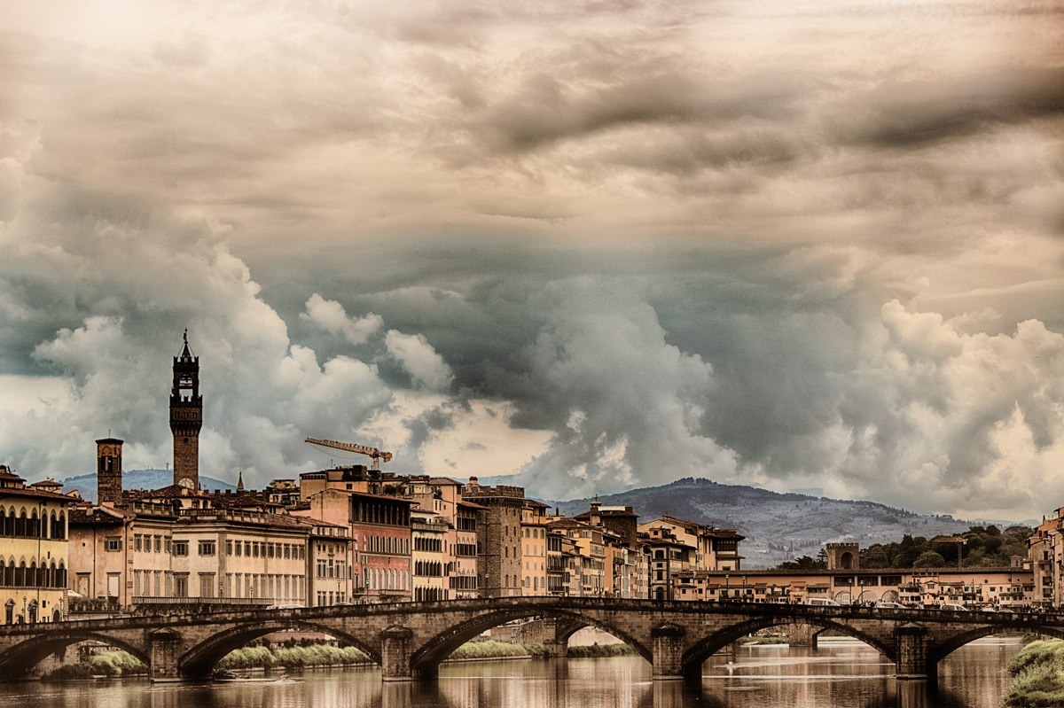 Ponte alla Carraia with clouds