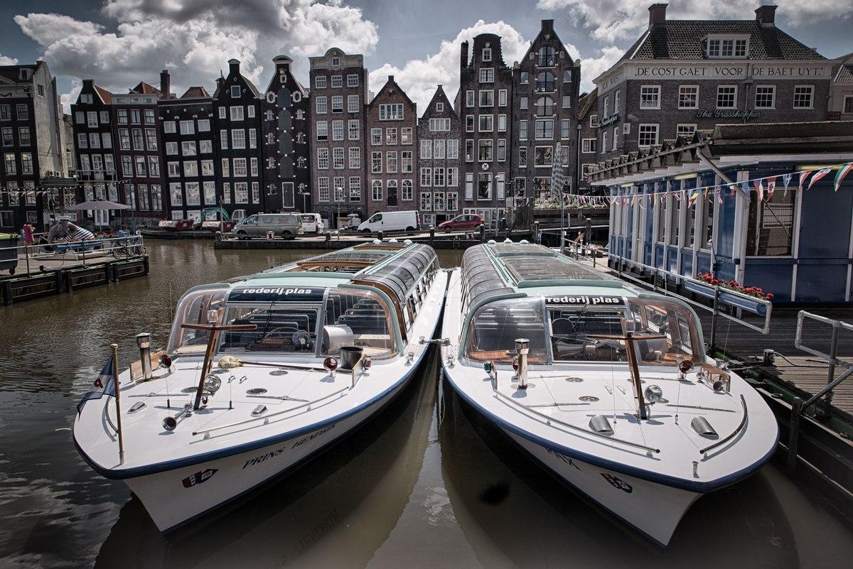 Amsterdam cruise boats