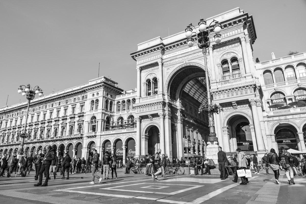 Galleria Vittorio Emanuele II entrance