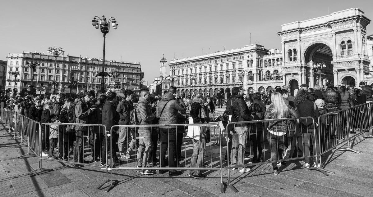 The Milan Cathedral Queue