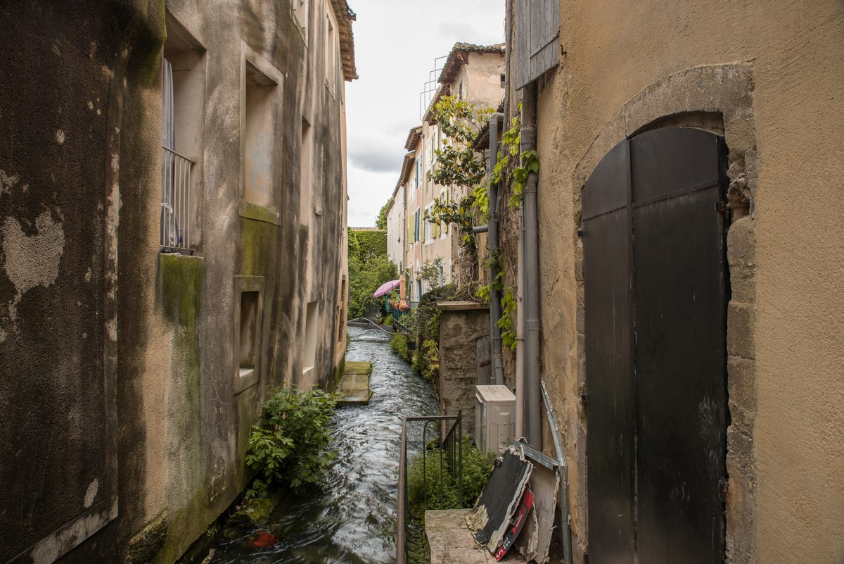 L'Isle-sur-la-Sorgue water channel