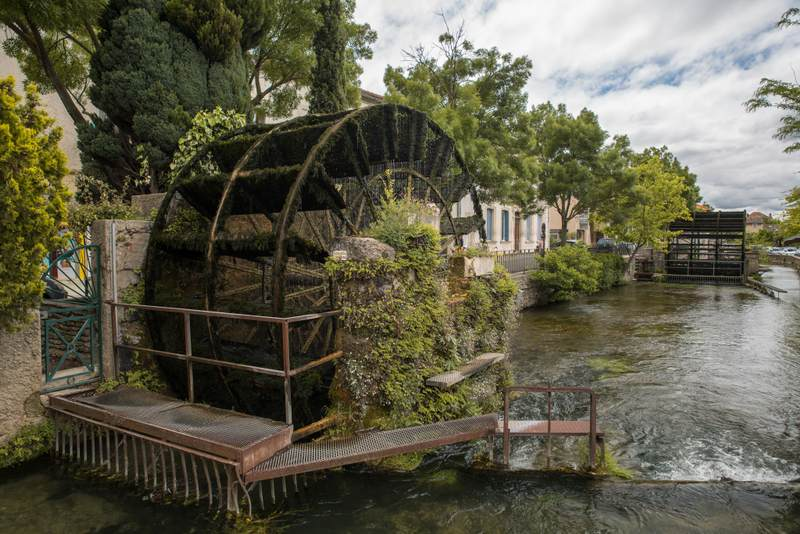 L'Isle-sur-la-Sorgue water wheel